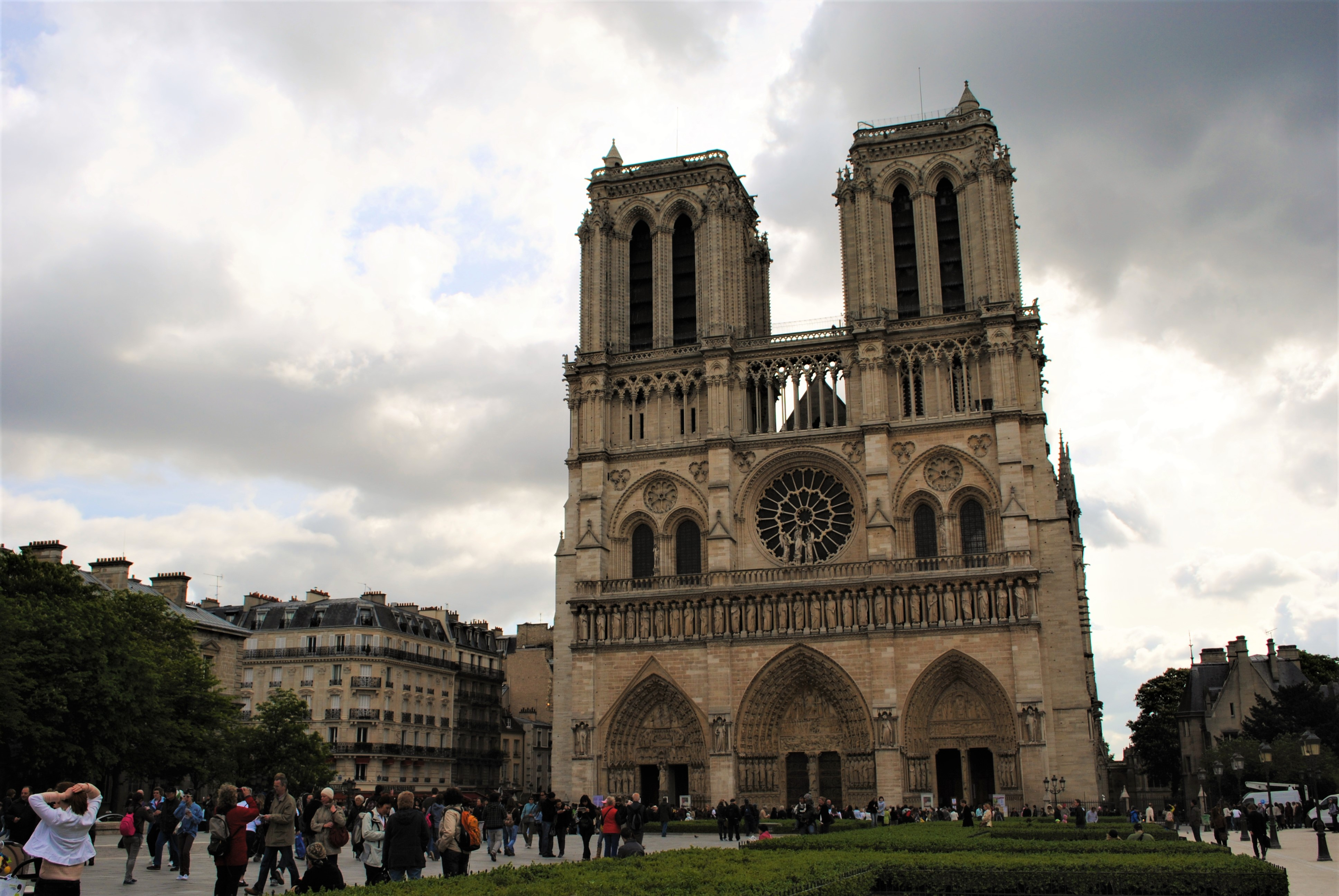 Travel Paris with a baby Notre Dame