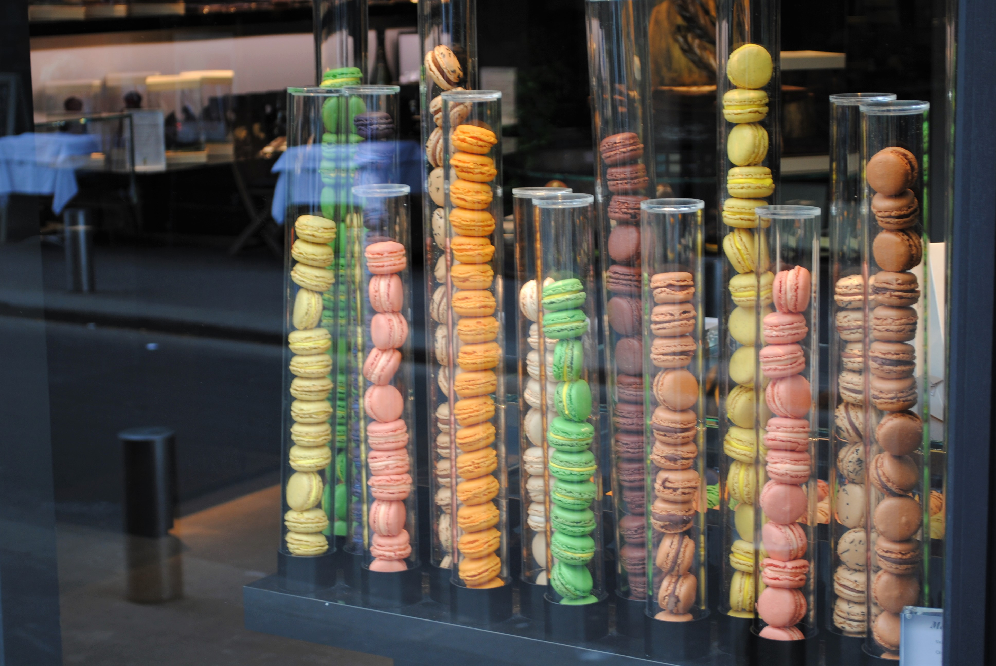 Travel Paris with a baby Macarons