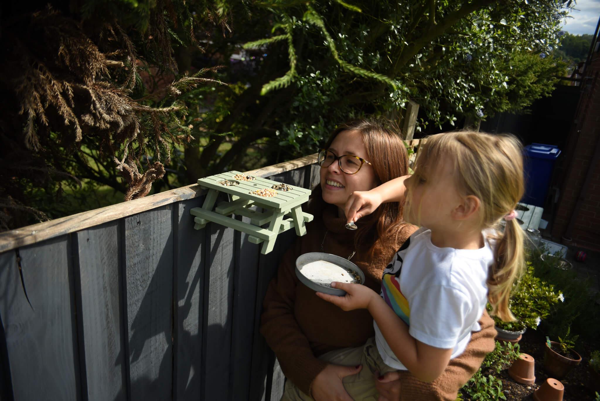 picnic bench bird feeder